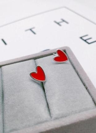 Серьги сердца с красной эмалью, сережки, кульчики