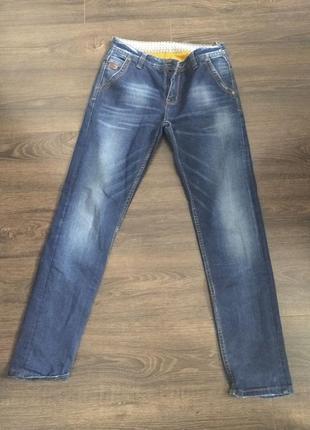 Нові джинси в ідеальному стані