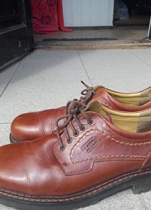 Добротные кожаные туфли  44 разм
