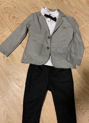 Нарядный костюм на пальчика на праздник