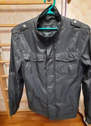 Демисезонная куртка, размер л.
