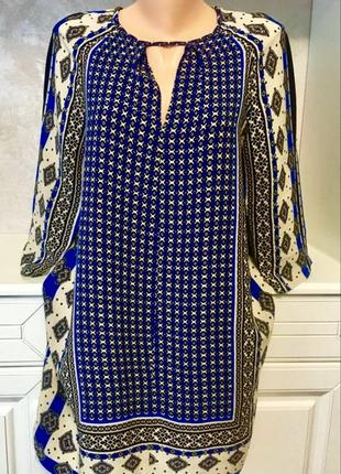 Брендовое стильное шелковое платье свободного фасона в принт