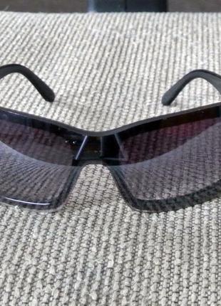 Солнцезащитные очки черные прямоугольной формы (сонцезахисні окуляри)