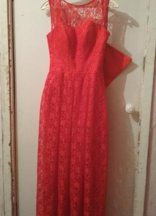 Красное вечернее платье в полна корсете
