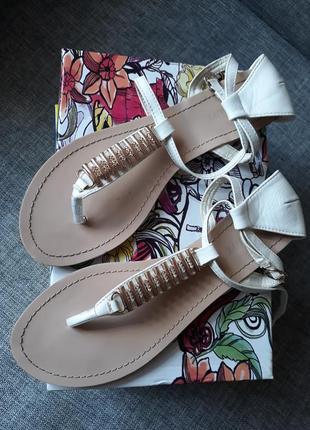 Босоножки вьетнамки сандали