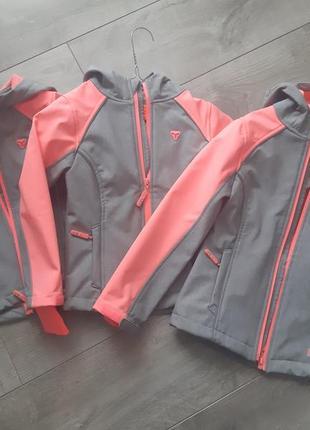 Курточка soft shell sports tech