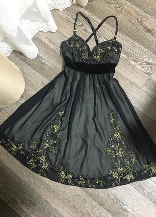 Вечернее выпускное коктейльное платье с вышивкой бисером и пайеток