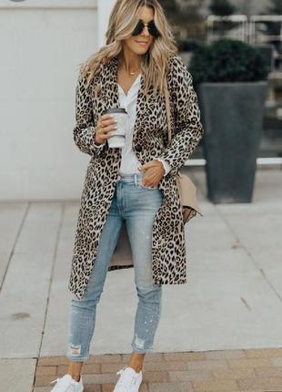 Шыкарный пиджак в тигровый принт на лето
