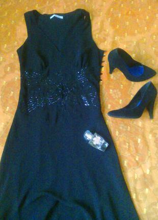 Очаровательное вечернее платье