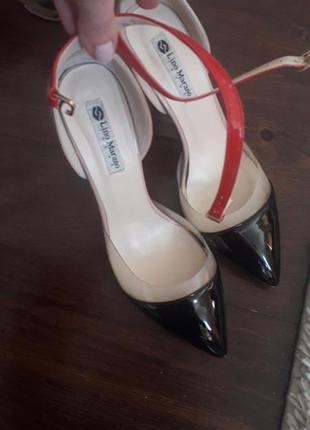 Лаковые туфли 38