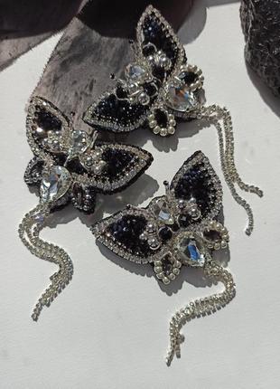 Брошь бабочка ручной работы, вышитая брошка черного цвета2 фото