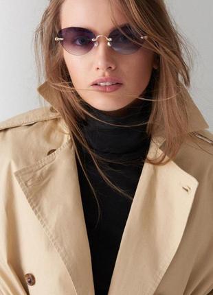 Солнцезащитные очки с цветными линзами от бренда mohito