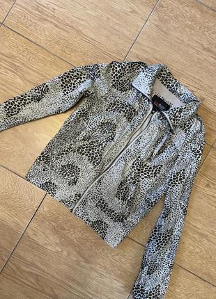 Легка куртка