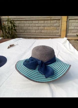 Очень красивая,яркая шляпа.