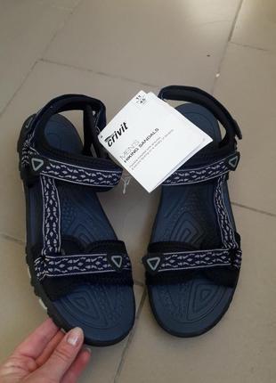 Треккинговые сандалии