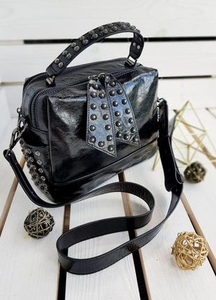 Черная кожаная сумка