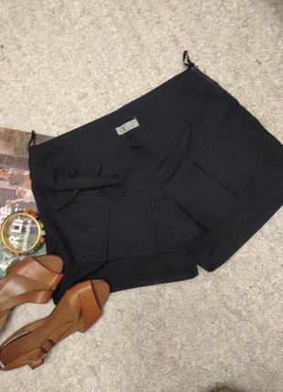 Базовые шорты-юбка с складками