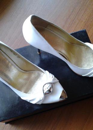 Свадебные туфли-лодочки кожа