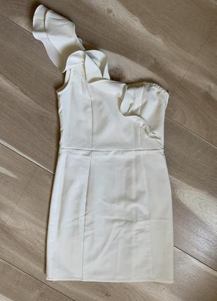 Белое платье мини
