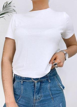 Стильна однотонна футболка1 фото