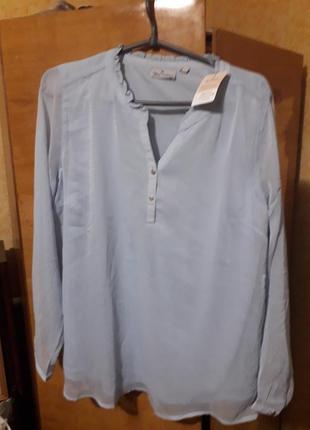 Шифонова німецька блузка ніжно голубого кольору, з підкладкою , рукава прозорі