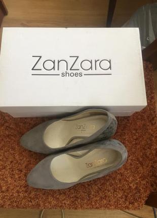 Красивые замшевые  туфли, 35 размер
