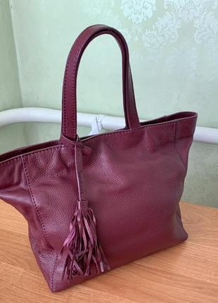 Кожаная сумка французского бренда loxwood