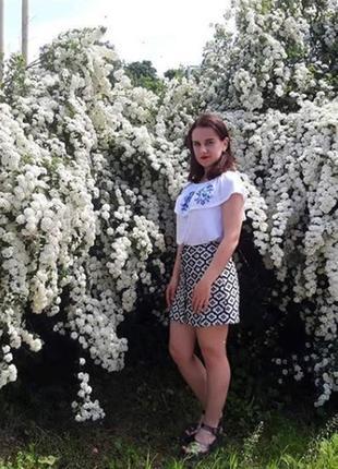 Белая блуза с открытыми плечами с а-ля вышивкой atmosphere uk14