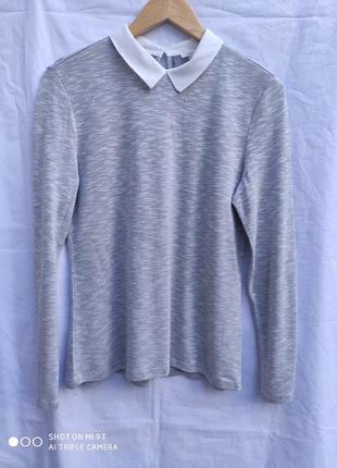 Красивый свитерок с воротничком раз.м-l