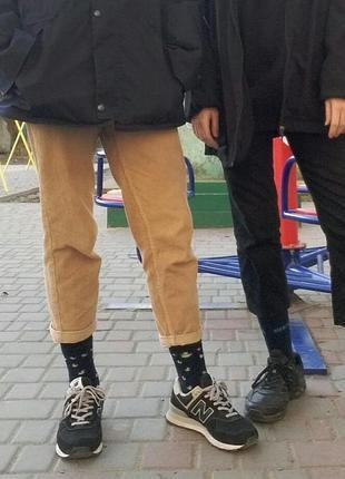Бежевые вельветовые штаны