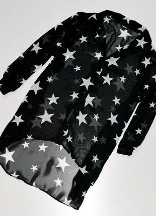 Классная стильная удлиненная блуза черного цвета в звезды1 фото