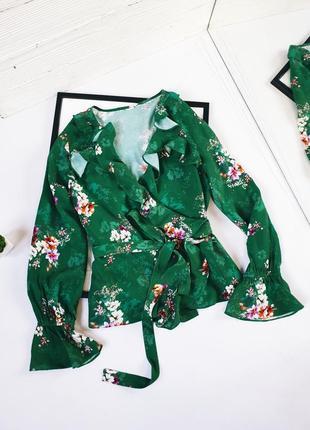 Блуза вискоза на запах цветочный приет в цветочки
