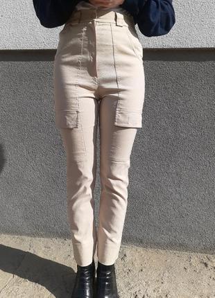 Штаны в стиле карго. штаны на повышенной талии. карго на повышенной талии. брюки карго