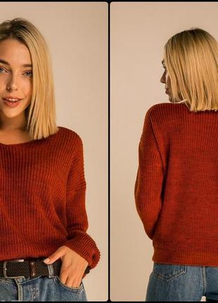 Вязаные стильные свитеры