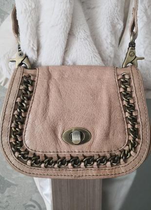 Красивая кожаная сумка avant premiere