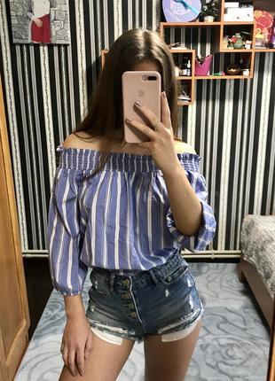 Женская блуза блузка на плечи