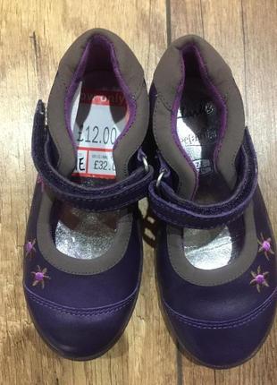 Фирменные кожаные туфельки clarks