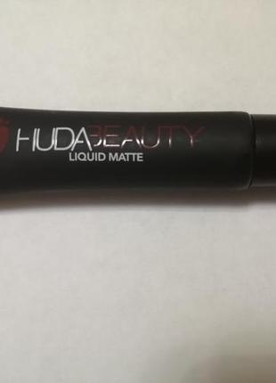Huda beauty liquid matte