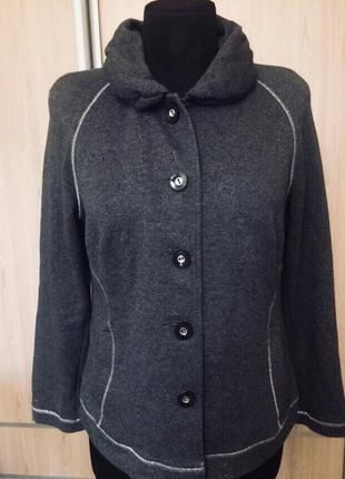 Стильный пиджак .вязаный трикотаж .размер 52-54