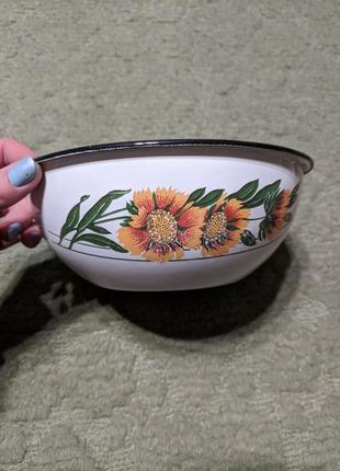 Емальована миска з квітами, середня1 фото