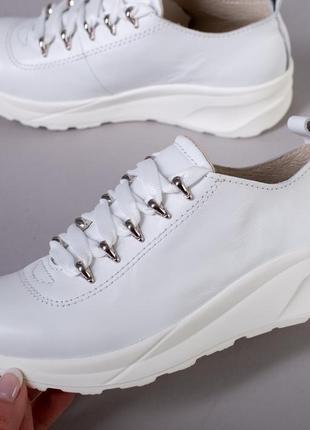 Крутые кожаные кроссовки на девочек