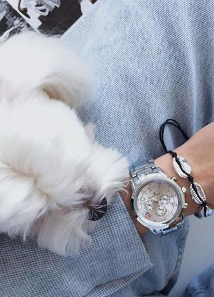 Прекрасный комплект часы и браслет