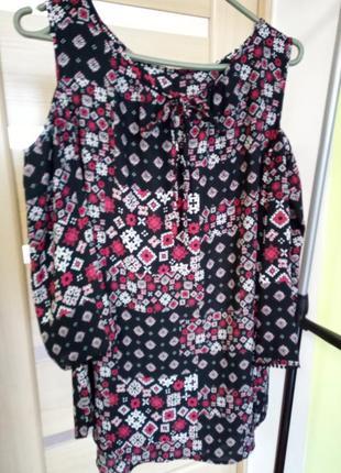 Стильная блуза с открытыми плечами от george