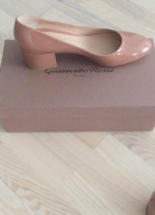 Туфли rossi новые