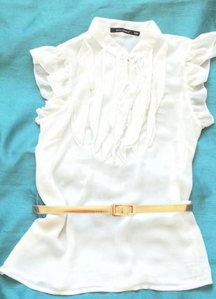 Блузка нарядная молочного цвета atmosphere