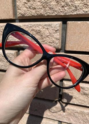 Имиджевые очки с прозрачными стеклами