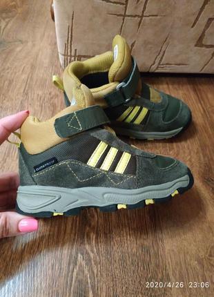 Брендовые высокие термо кроссовки adidas на зиму и холодную осень, 13,5-14,5 см