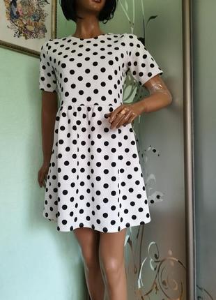 Летнее платье в горошек1 фото