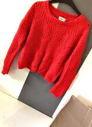 Крутой укорочённый свитер