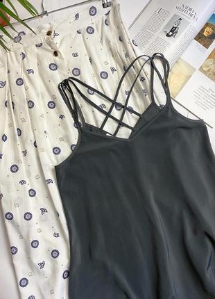 Шикарное платье комбинация серого цвета с перекрёстными бретельками  promod! сукня